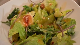 How to Make Romaine Salad with Baby Kale, Roasted Pepper & Nasturtium