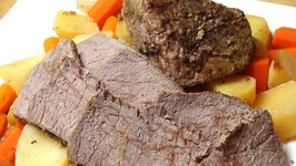 Slow Cooked Pot Roast With Vegetables
