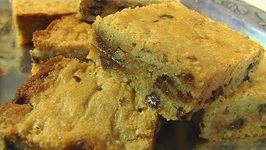 Pecan-Chocolate Chip Blondies