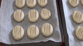 Easy Brazilian Coconut Cookies