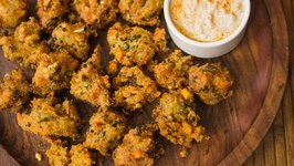 Upma Pakoras / Semolina Fritters - Easy Evening Tea Starters, Snack ON!