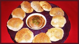 Pani Puri Every Indian Girl's all time favourite Chat Gol Gappa