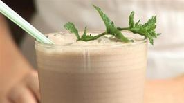 How To Prepare A Chocolate Mint Smoothie