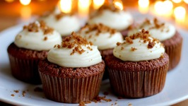 Fresh Gingerbread Cupcakes With Cream Cheese Frosting