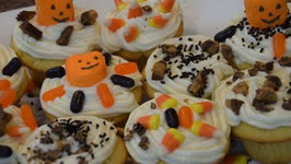 How to Make Homemade Halloween Cupcakes with Cream Cheese Frosting