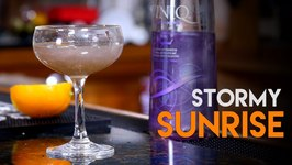 The Stormy Sunrise / Viniq Shimmery Liqueur