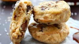 Salted Caramel Chocolate Chip Cookie Ice Cream Sandwiches- How To Make Ice Cream Sandwiches
