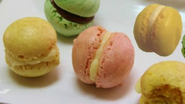 Eggless French Macarons