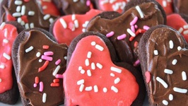 How To Make Chocolate Sugar Cookies With Icing