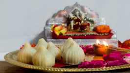 Traditional Steamed Modak Recipe - Ukadiche modak  Ganesh Chaturthi Special