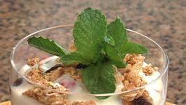 Raspberry Yogurt Parfaits