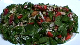 Fresh Spinach Strawberry Pecan Salad