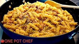 One Pot Cheesy Beef And Bacon Pasta