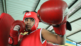 The Female Boxers Smashing Gender Stereotypes- Truly