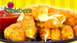 Applebees Mozzarella Sticks / Homemade Recipe