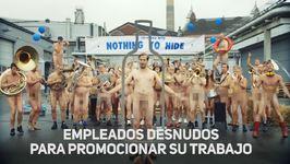 Empleados desnudos para promocionar su marca de Vodka