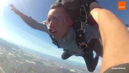 This Is What Humans Look Like When Skydiving