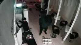 Thieves Ransack Essendon Salon for Haircare Products