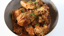 Highway Chicken Curry Recipe - Dhaba Style Chicken Curry - Indian Chicken Curry - Smita