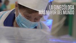 Roza, la ginecóloga con más edad del mundo