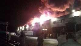 Firefighters Tackle Large Blaze at a Glasgow Warehouse