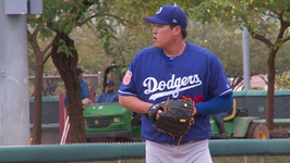 Scott Kazmir, Hyun-Jin Ryu Throw Live Batting Practice At Dodgers 2017 Spring Training