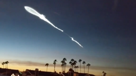 Timelapse Captures Dramatic SpaceX Rocket Launch