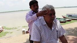 Head Massage in Ganges - Varanasi - Benaras India - Indian Head Massage Step By Step