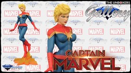 Diamond Select Toys Captain Marvel Comic Version Gallery Collection Statue Unboxing
