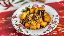 Kashmiri Aloo Dum - Dum Aloo - Potato Curry - Indian Veg Main Course - Kashmiri Recipe