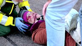 S01 E02 - Driving Me Crazy - Paramedics