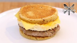 Keto Sausage And Egg McMuffins / Easy Breakfast Sandwich