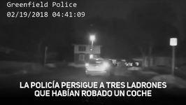 Un coche se estrella contra una casa en una persecución