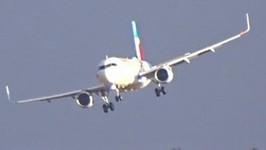 Planes Make Shaky Landings at Dusseldorf During Storm Friederike