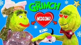 THE GRINCH GETS MARRIED to Girl Grinch (Grinchette) - HIS HEART GREW!  Surprise Toys
