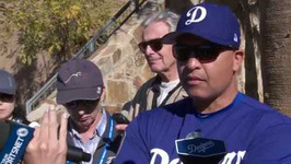 Dave Roberts talks Dodgers' theme for 2017, expectations Kenta Maeda and Hyun-Jin Ryu face
