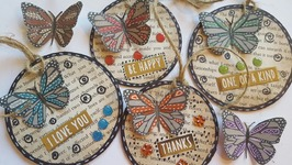ROUND BUTTERFLY GIFT TAGS USING BOOK PAGES - UPCYCLE CRAFTS