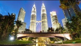 Exploring Kuala Lumpur -Photography at Petronas Towers - Malaysia Travel Vlog