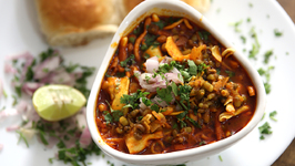 Misal Pav - Recipe By Archana In Marathi - Maharashtrian Spicy Street Food Snack