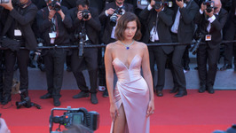 Bella Hadid beats the heat in Cannes by grabbing ice cream with her dad