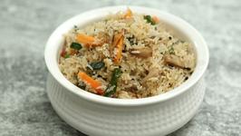 Mushroom Pulao Recipe In Marathi - Restaurant Style Veg Pulao - Archana