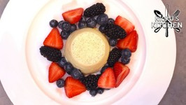 Panna Cotta with Summer Berries / Perfect Valentines Dessert