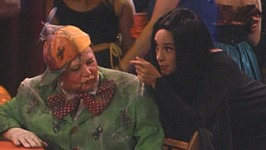 S04 E06 - Trick Me Up, Trick Me Down - Roseanne