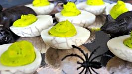 Halloween Appetizer-Spooky Deviled Eggs