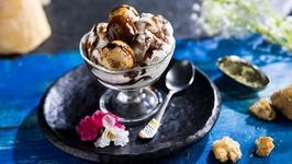 Gur Ke Pakode -Jaggery Fritters - Diwali Special - Sweet Fritters - Sweet Pakora