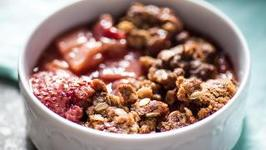 Strawberry Rhubarb Crisp Dessert