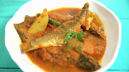 Macher Jhol Recipe - Parshe Machar Jhal - Bengali Fish Curry - Khana Peena Aur Cinema - Varun