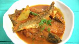 Macher Jhol Recipe - Parshe Machar Jhal - Bengali Fish Curry - Khana Peena Aur Cinema - Varun