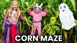 Halloween Edition Lost in the Corn Maze with Fornite, Skeleton and The Assistant