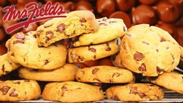Mrs Fields Chocolate Chip Cookies / The BEST in the world